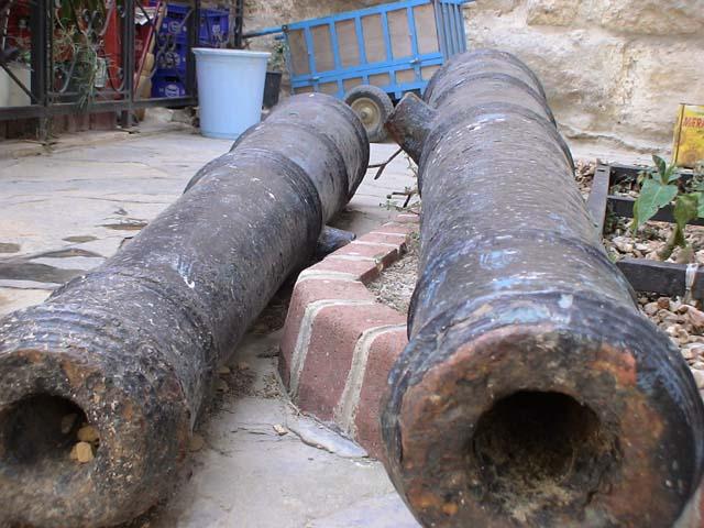 Bodrum Museum alte Kanonen